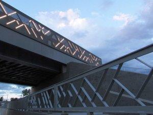 <b>高架桥铝单板,隔音冲孔铝单板厂</b>
