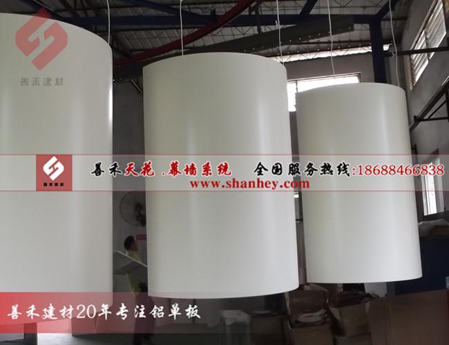 氟碳包柱铝单板